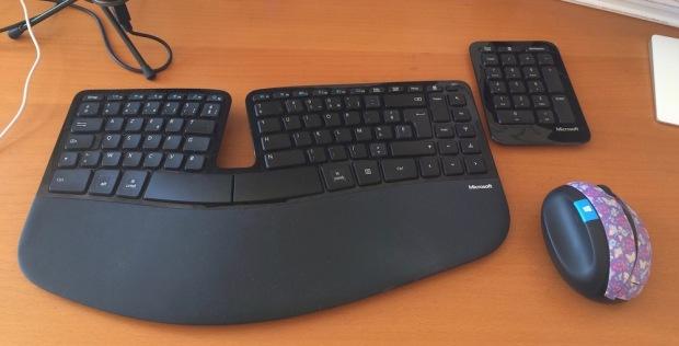 clavier-ergonomique-idees-cadeaux-auto-entrepreneur-freelance-traducteur-redacteur-esprit-freelance.jpg