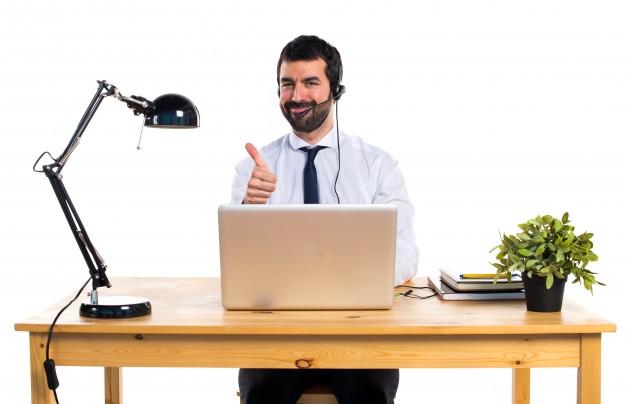 bonne-reputation-cles-etre-contacte-facilement-professionnel-courtois-esprit-freelance